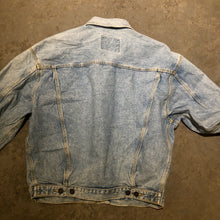 Load image into Gallery viewer, Vintage Denim Light Wash Jacket