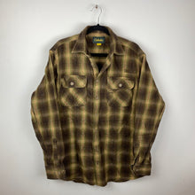 Load image into Gallery viewer, 90s heavy flannel shirt
