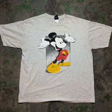 Load image into Gallery viewer, Vintage Mickey t shirt
