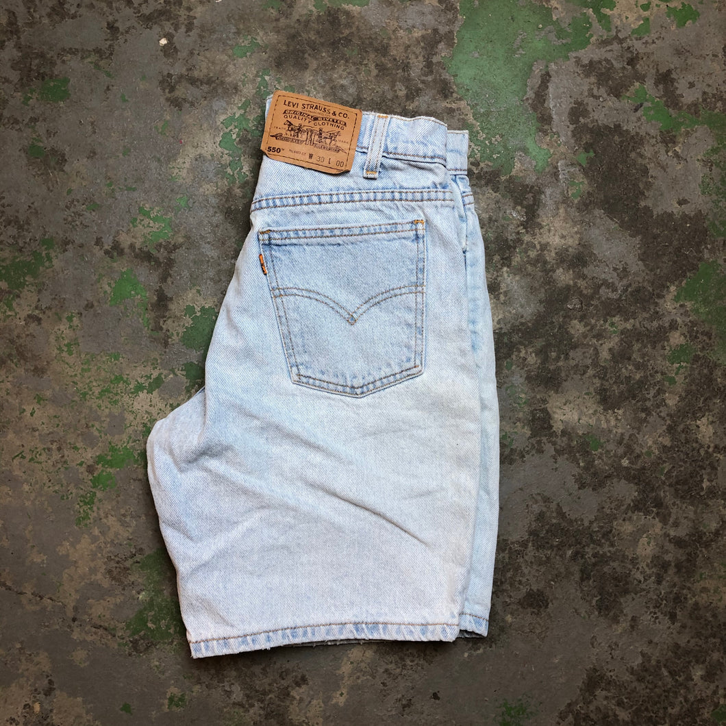 Orange tab Levi's hemmed shorts