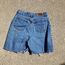 Load image into Gallery viewer, Vintage LLBean Denim shorts