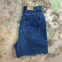 Load image into Gallery viewer, Dark wash Lee denim shorts