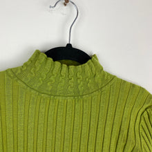 Load image into Gallery viewer, Funky green long sleeve top