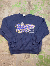 Load image into Gallery viewer, Yankees crewneck