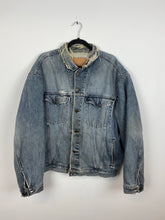 Load image into Gallery viewer, 90s distressed Levi's denim jacket