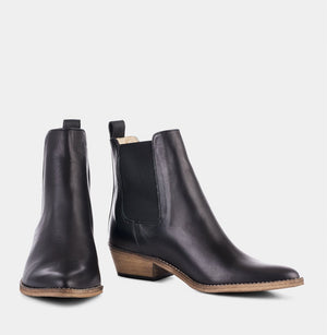 Ivy Lee Stella Boots - Black w. antique sole