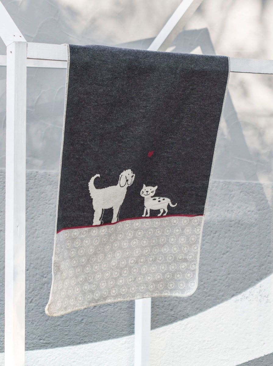 David Fussenegger Bassinet Blanket - Love Cat & Dog