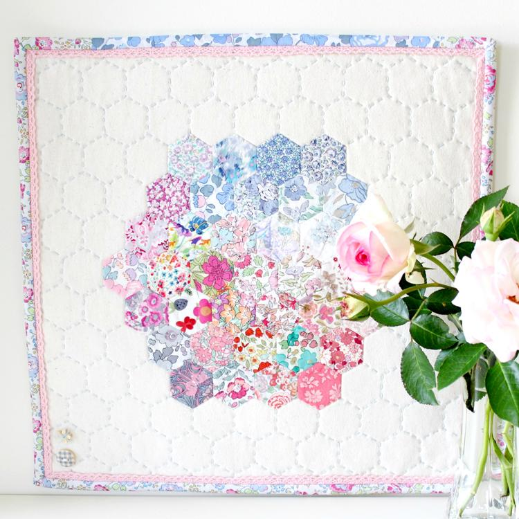 Hettie Hexie EPP Mini Quilt Pattern- Molly & Mama Designs - Stitches from the Bush