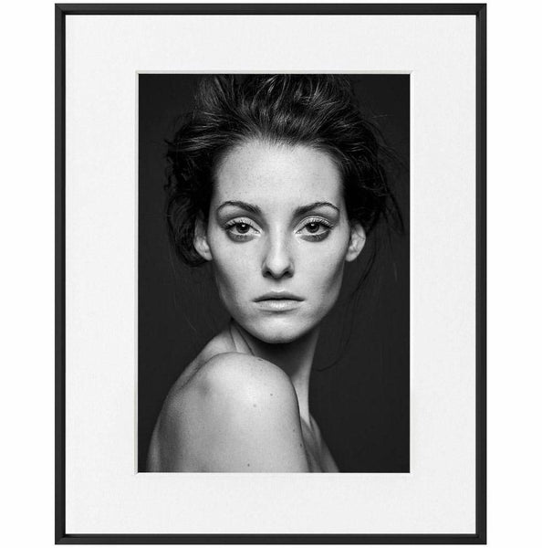 Alexander Osenski-GIA-PORTRAIT--limited editions-Monochrome Hub-Gallery for Fine Art Photography