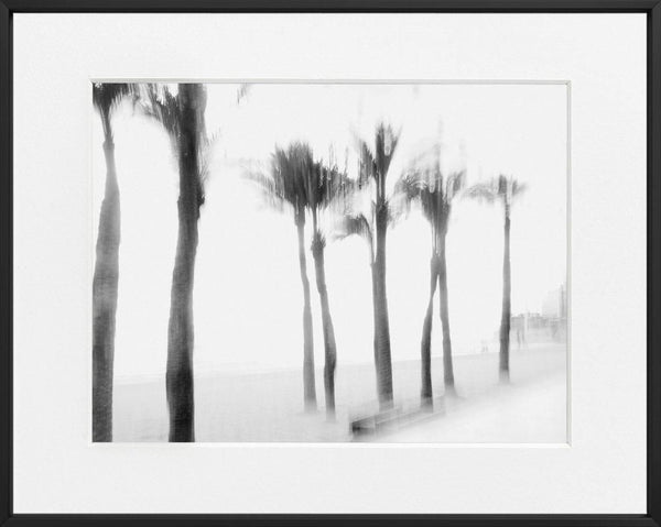 Ivailo Stanev-Álvarez-La Playa Alicante--limited editions-Monochrome Hub-Gallery for Fine Art Photography