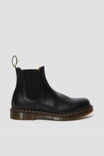 Dr Martens - 2976 Smooth Leather Chelsea Boot, Black/ Yellow Stitch