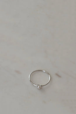 Sophie - Mini Pearl Ring, Silver