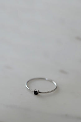 Sophie - Mini Rock Ring, Black