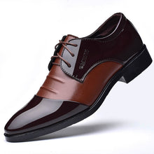 Load image into Gallery viewer, Mens Classic Casual Soft Leather Oxford Shoes In 2 Colors