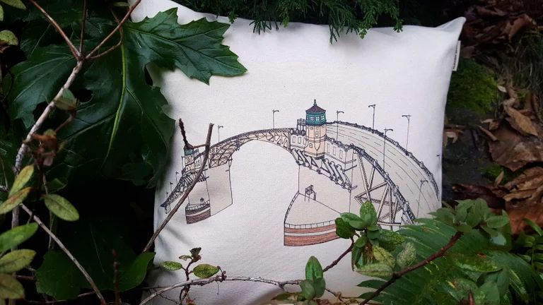 Burnside Bridge Portland Oregon Canvas Pillow Case