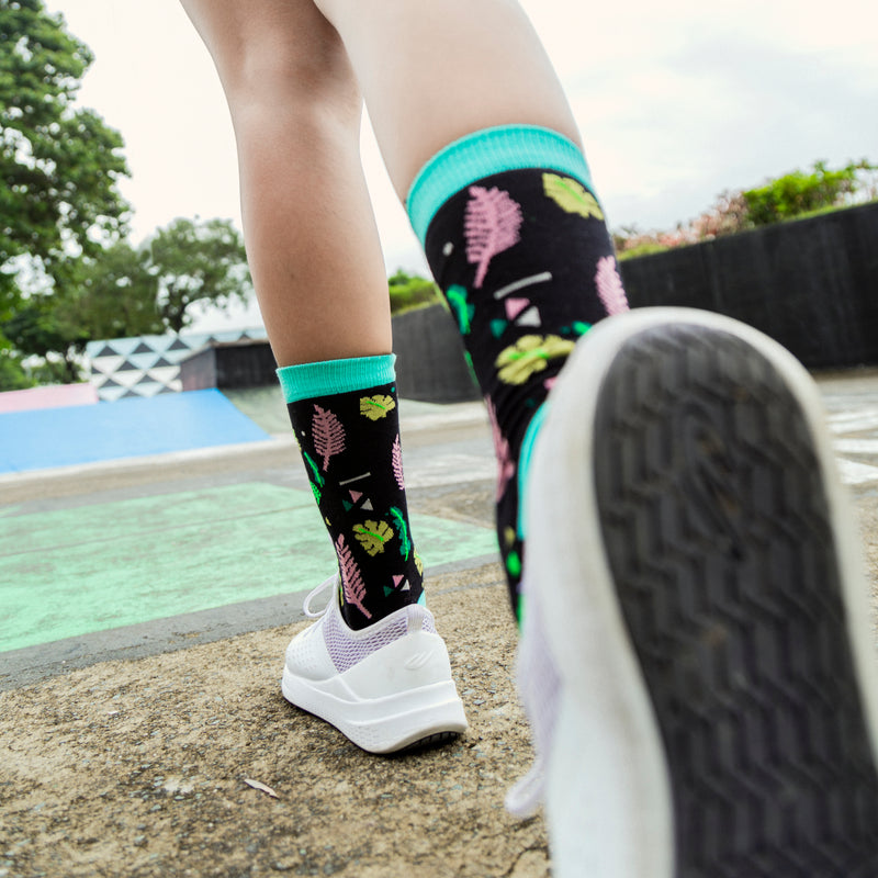 Patterned Socks (Leaves Black,Green)