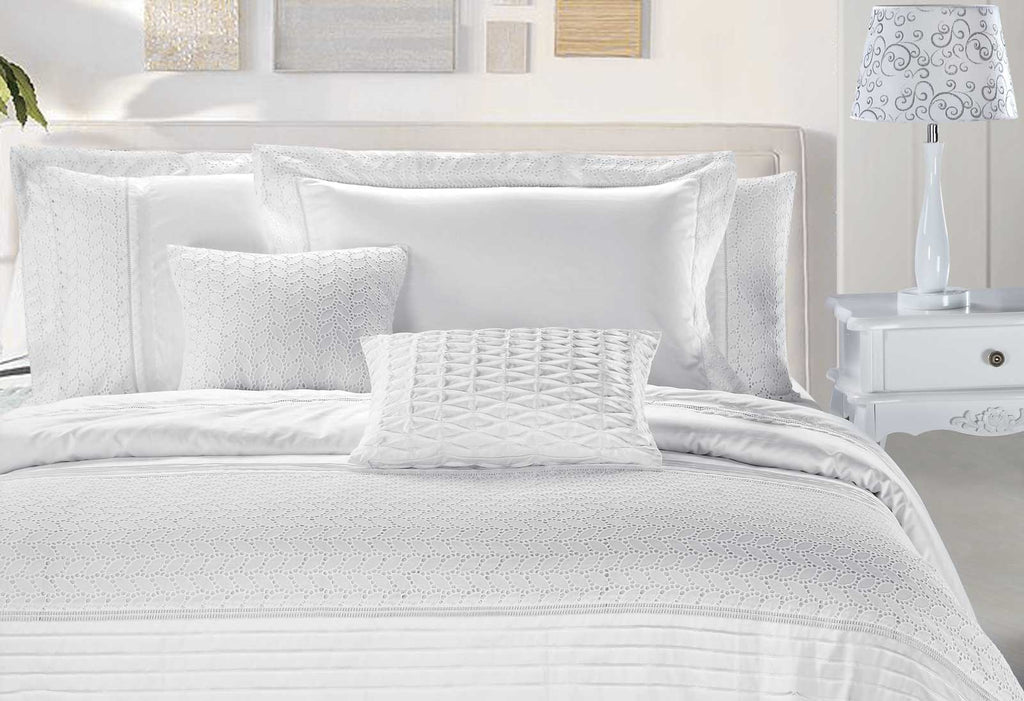 Luxton Elisa White lace Embroidery Quilt Cover Set