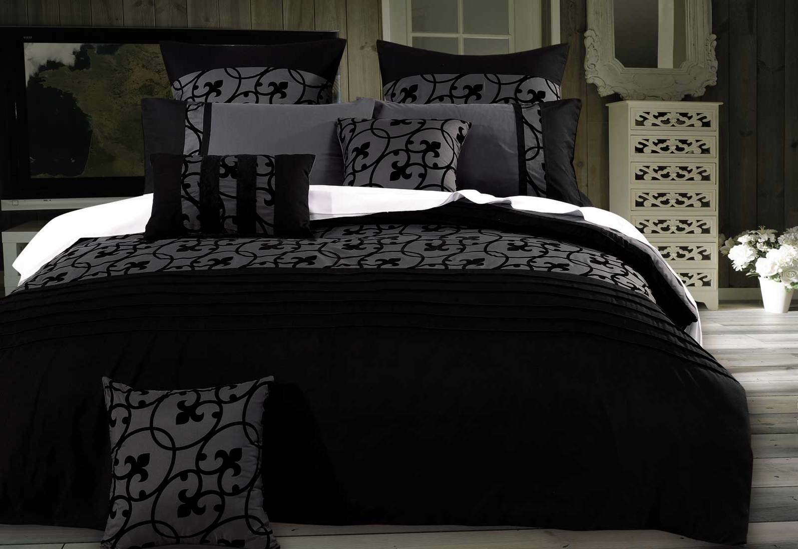 Lyde Charcoal Quilt Cover Set