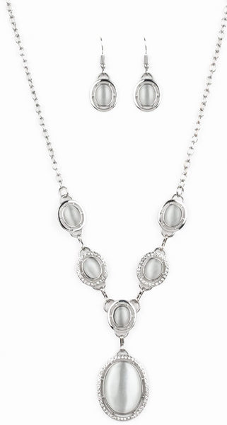 "Paparazzi Accessories - Paparazzi ""Metro Medallion"" - White - Short necklace"