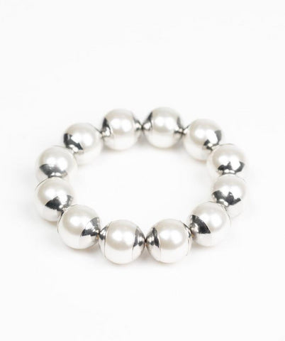 "Paparazzi Accessories - Paparazzi ""One Woman Show Stopper"" Vintage Pearl Silver Capped Bracelet - Bracelets"