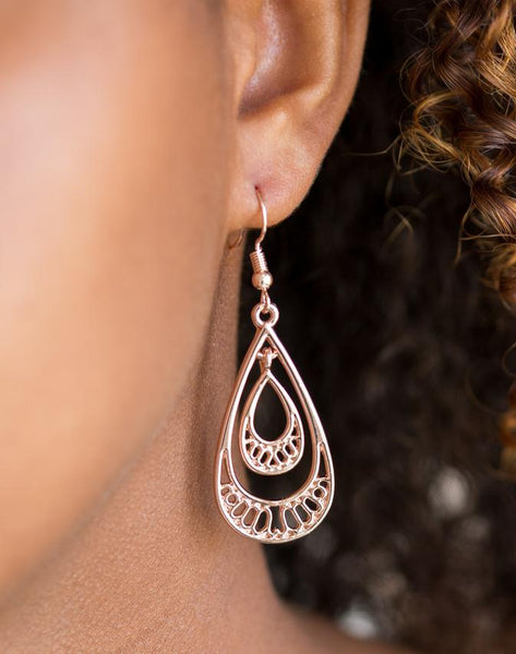 Paparazzi Accessories - Paparazzi Earring - REIGNed Out - Silver - Earrings