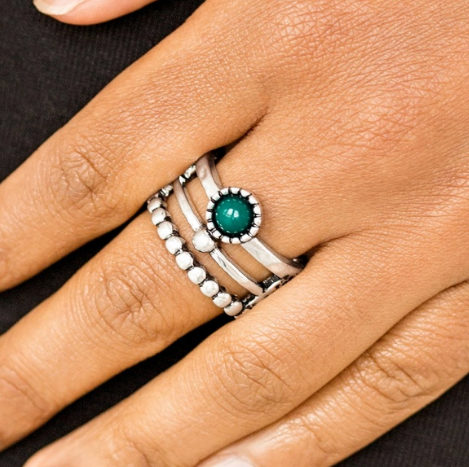 "Paparazzi Accessories - Paparazzi ""Summer Retreat"" - Green Ring - Rings"