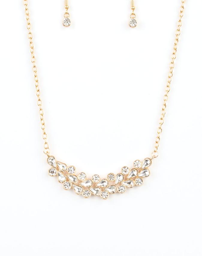 "Paparazzi Accessories - Paparazzi ""Special Treatment"" - Gold - Short necklace"