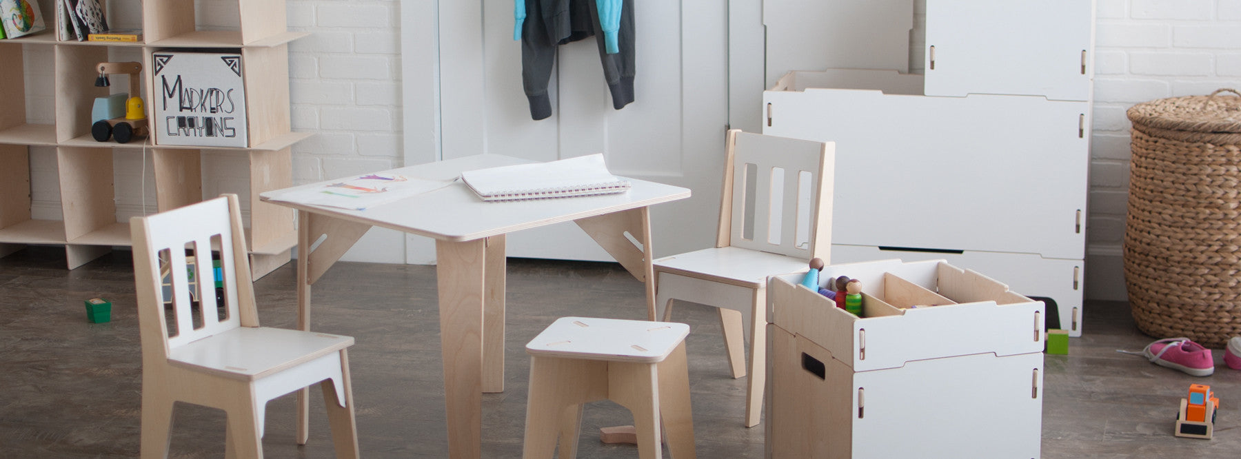 Modern Wooden Kids Table and Chairs