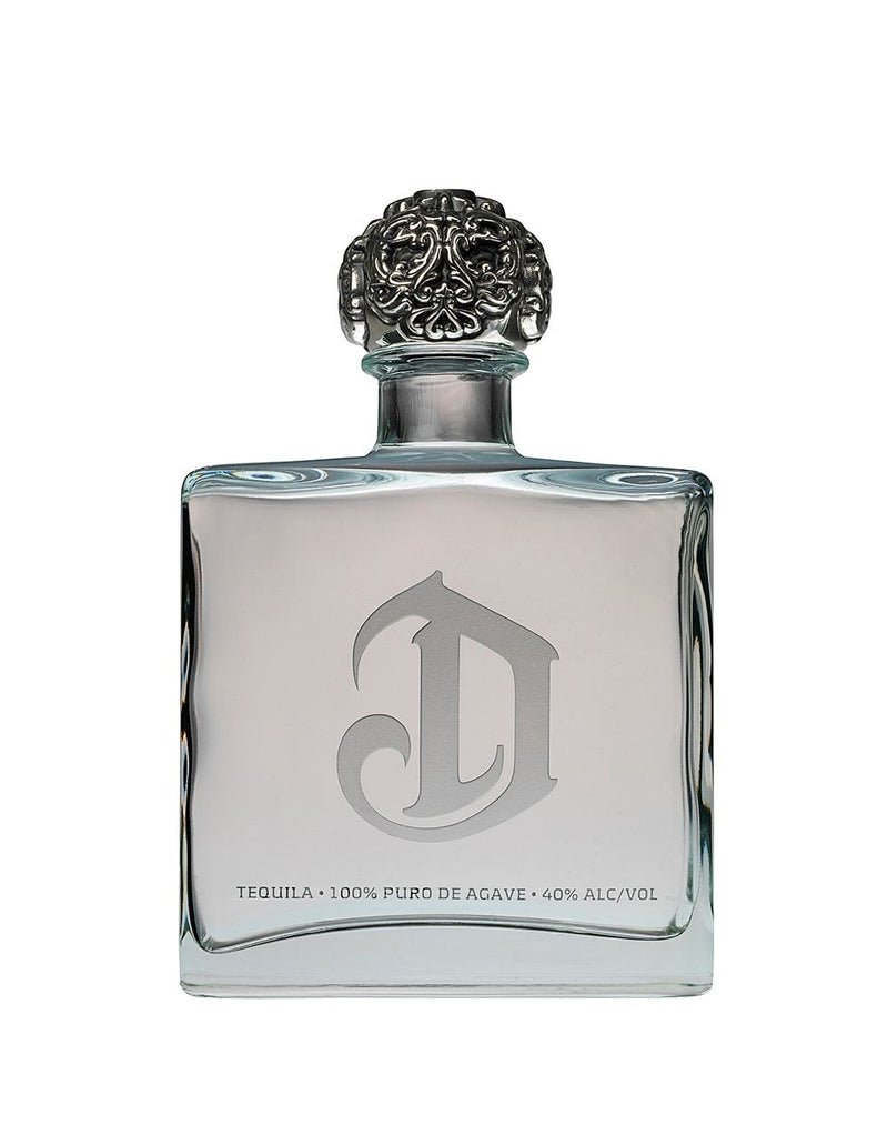 DeLeón Platinum Tequila with St Johns Lime Soy Candle