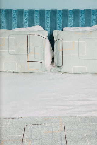How to choose the perfect dorm bedding