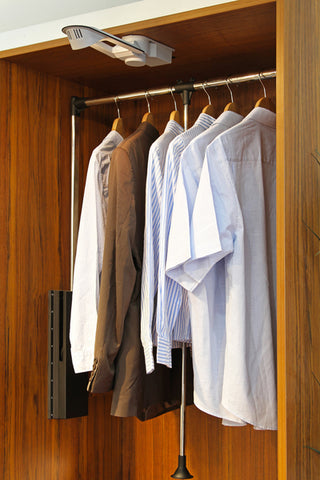 How To Choose The Best Hangers For Your Suit
