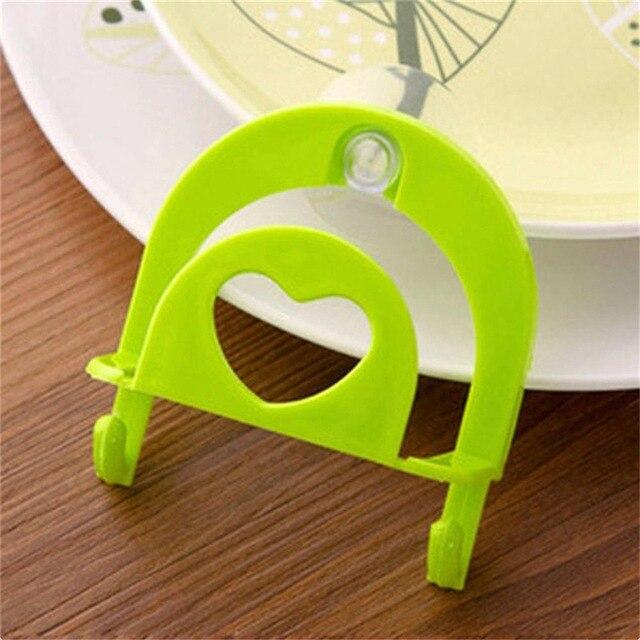 Convenient Kitchen Plastic Rack Sponge Holder Kitchen Cleaning Towel Organizer Wall Hanger Pool Side Hanging Holder With Suction