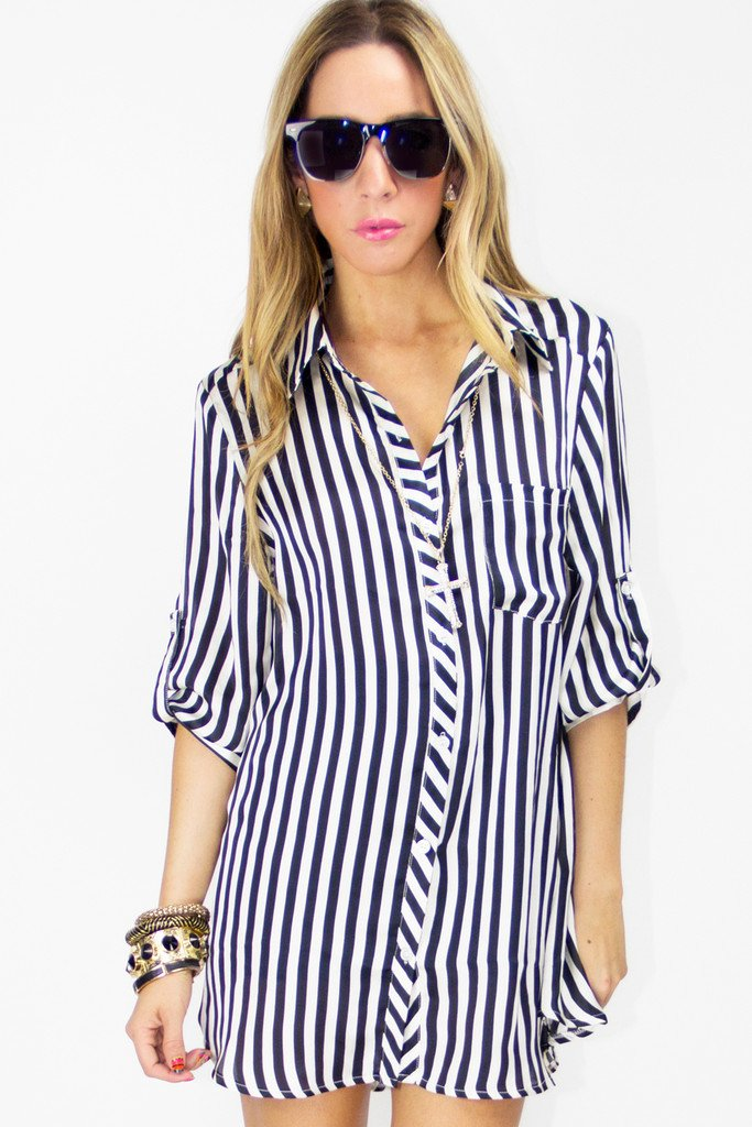 BLACK AND WHITE STRIPE DRESS SHIRT