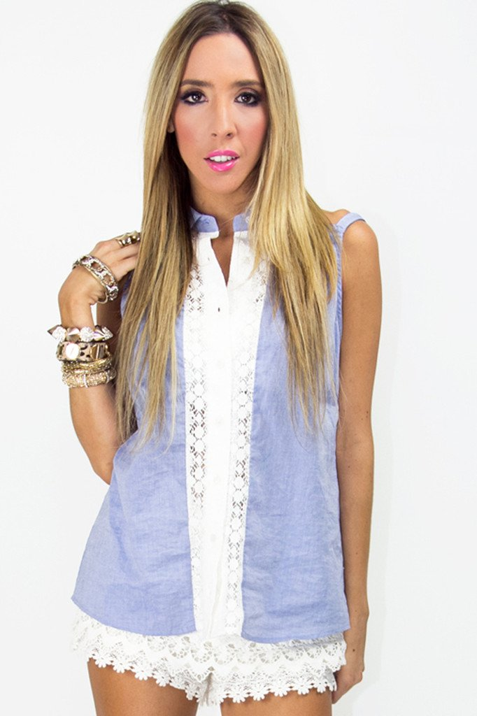 CHAMBRAY BLOUSE WITH LACE CONTRAST
