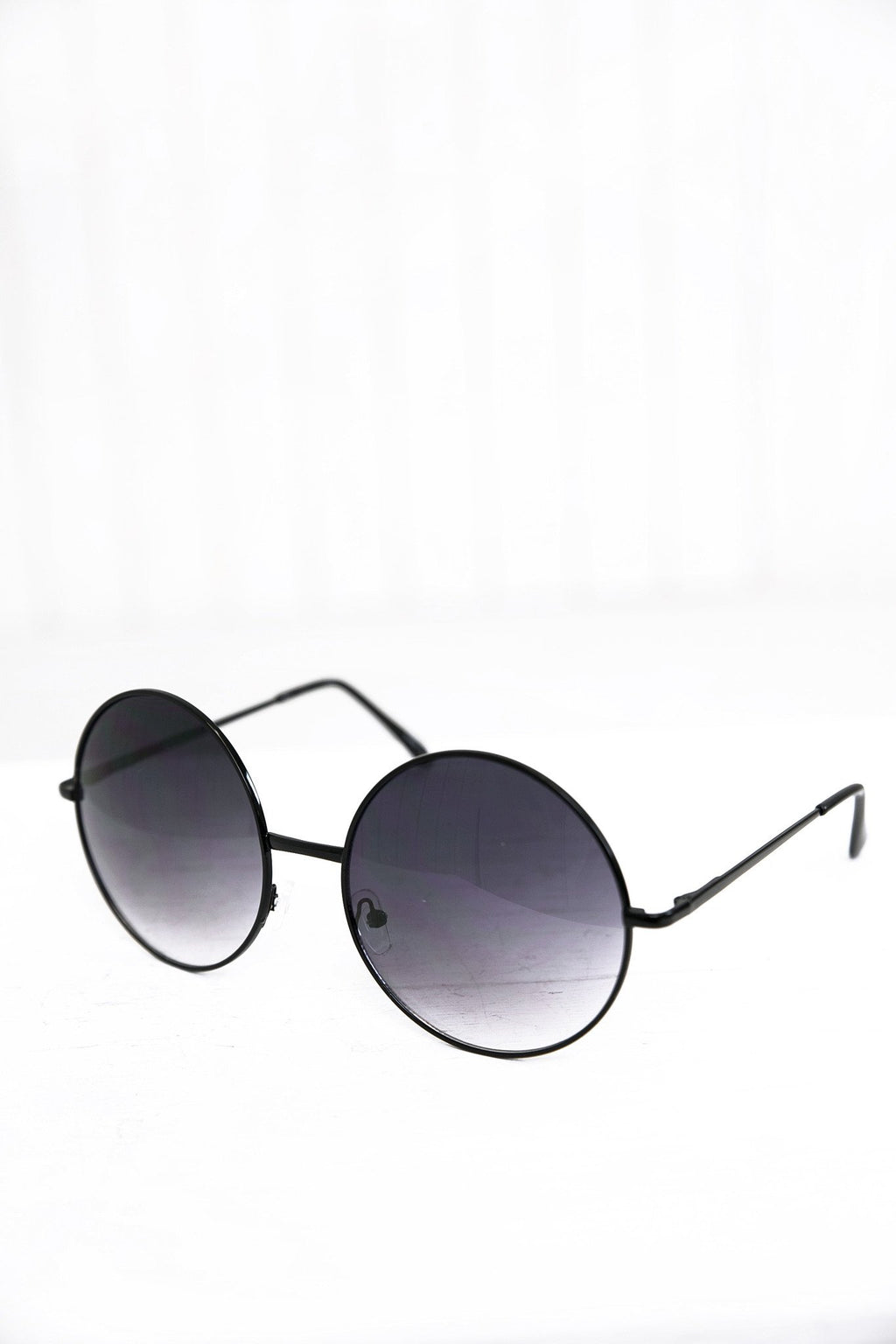 Farrah Round Sunglasses - Black/Blue - Haute & Rebellious