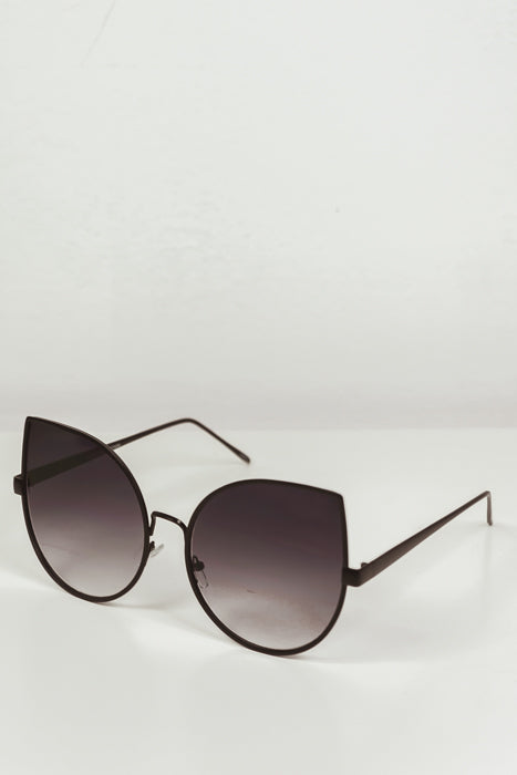 Half Way There Sunglasses - Black