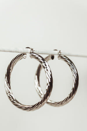 Twisted Metal Hoop Earring - Silver