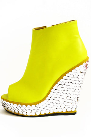 HIGHLIGHTER YELLOW WEDGE - Haute & Rebellious