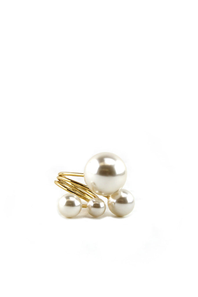 SHOOTING PEARLS RING