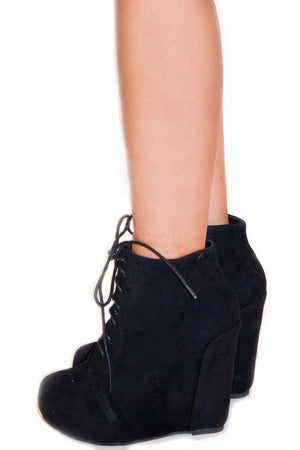 CAMILLA WEDGE - Black - Haute & Rebellious