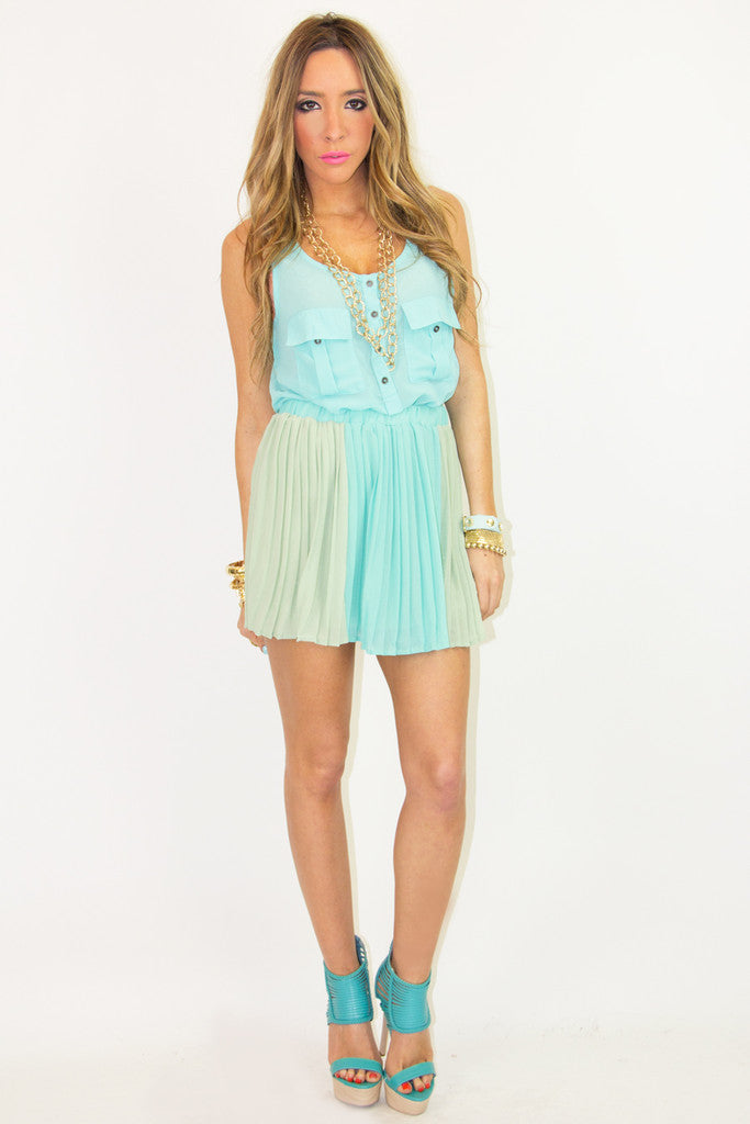 TWO POCKET SLEEVELESS CHIFFON TOP - Electric Mint