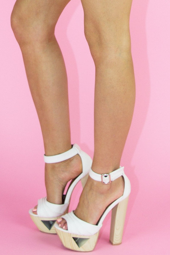 JENNI WOOD CUTOUT PLATFORM - Off White