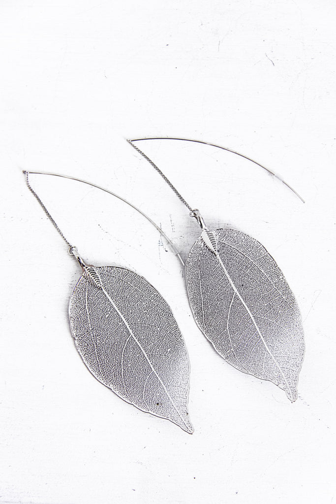 Metallic Dipped Leaf Earring - Silver