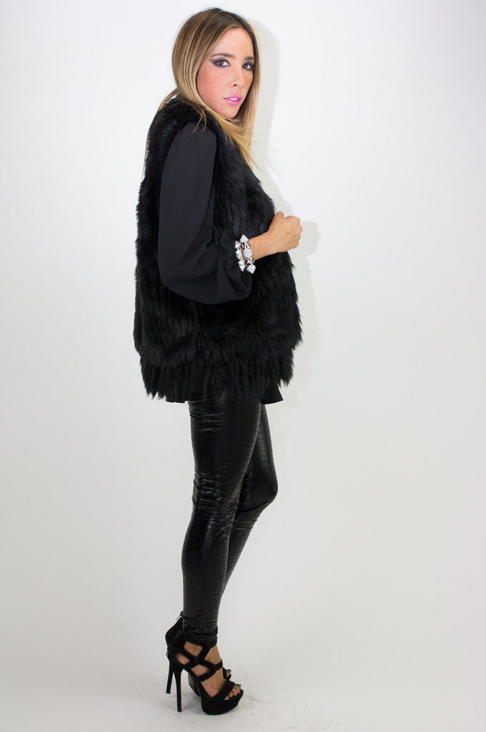 FAUX FUR VEST - Black