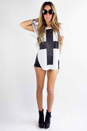 LARGE CROSS T-SHIRT - Haute & Rebellious