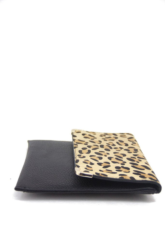 BLACK CLUTCH WITH LEOPARD FUR ACCENT
