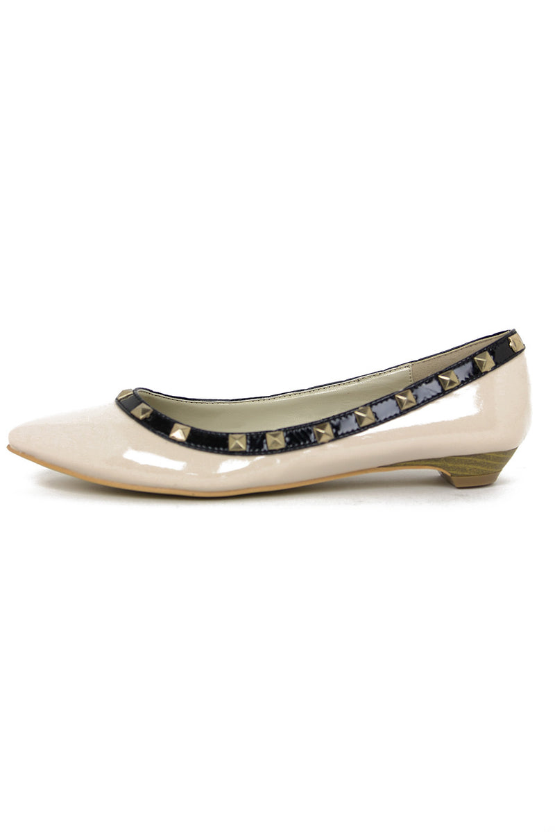 POINTY STUDDED FLAT - Beige/Black - Haute & Rebellious