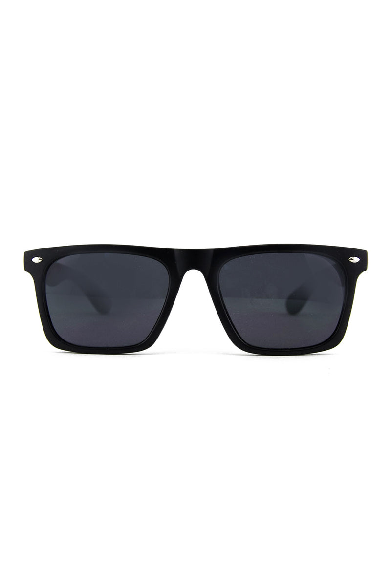 SLEEK WAYFARER SUNGLASSES - Black - Haute & Rebellious