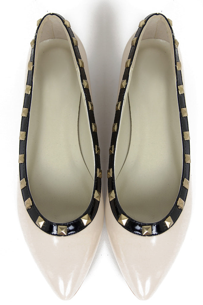 POINTY STUDDED FLAT - Beige/Black