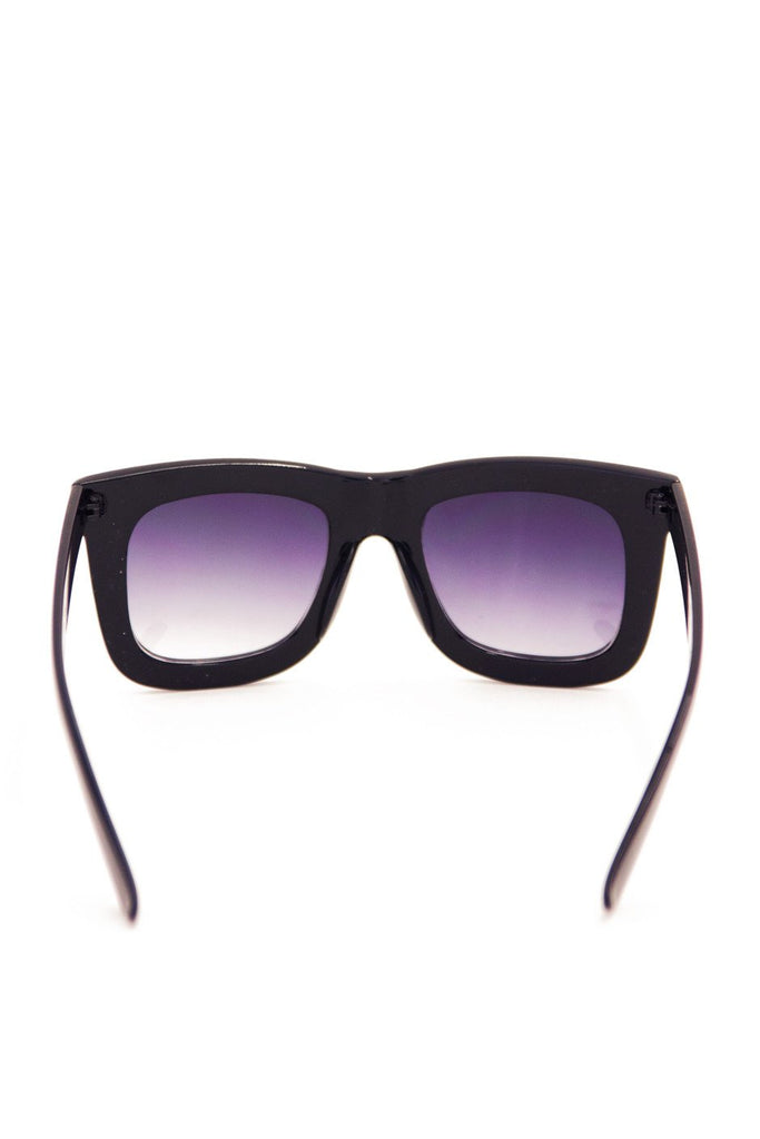 BOLD FRAME SUNGLASSES - Black